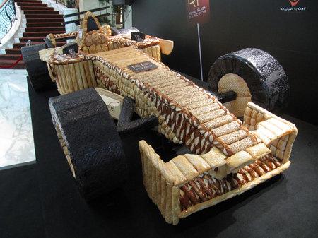 Cool: Kereta F1 dari Roti (3 Gambar)