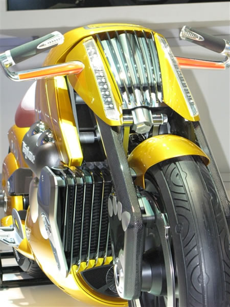 Suzuki Biplane Concept Design