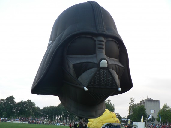 Darth Vader Hot Air Balloon 1 570x427