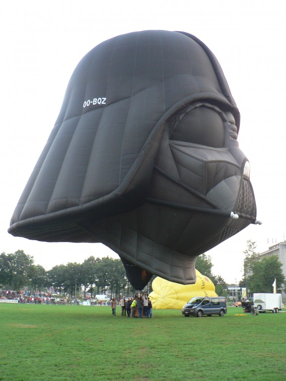Darth Vader Hot Air Balloon 2 570x760