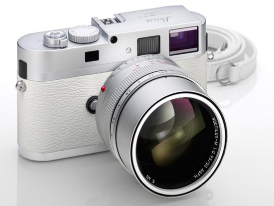 011 What happens when Apple's Jony Ive designs a Leica