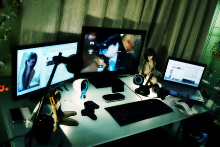 Anime Themed Workstation Is Nothing New