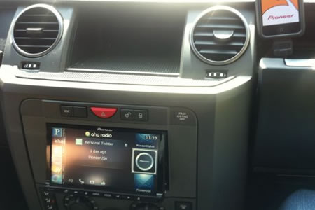Pioneer iPhone powered in dash interface