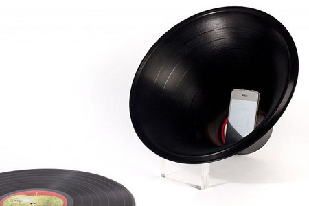Vinyl Records Get Second Life As Horn Speakers For Iphone