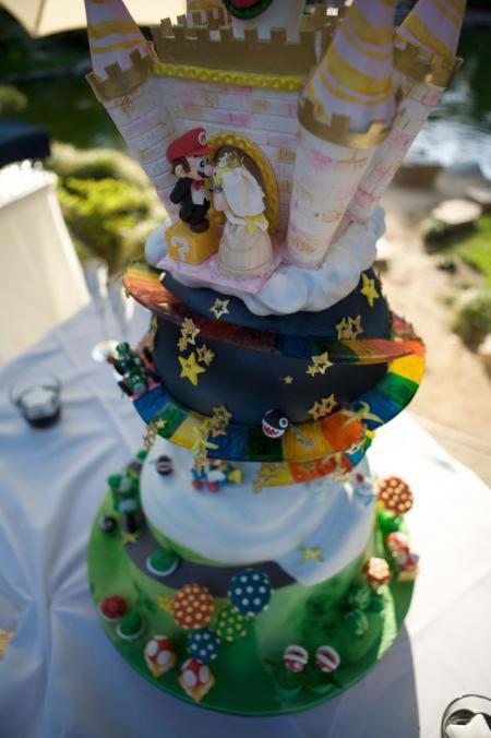 mario-wedding_cake_2.jpg
