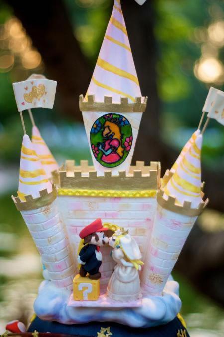 mario-wedding_cake_3.jpg