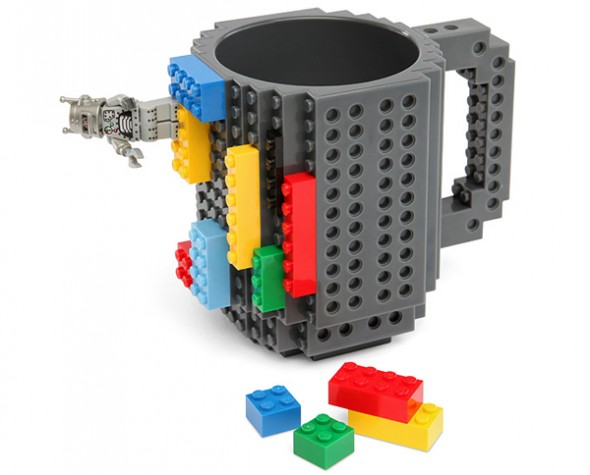 build on brick mug 1 590x475