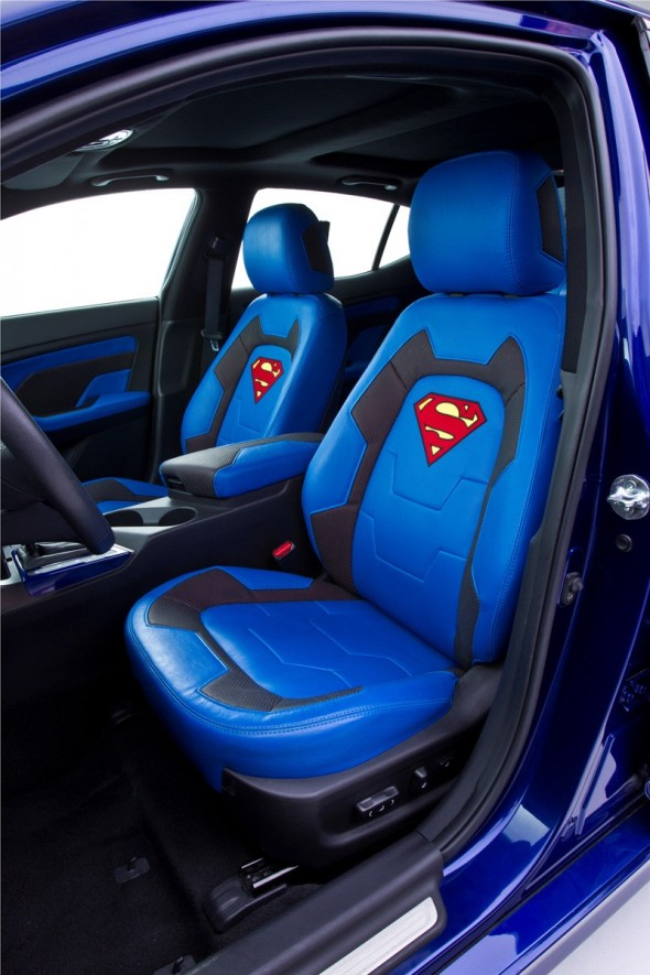superman seatsr 590x885