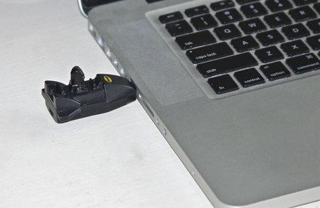 4GB-Bat-Stick-2.jpg