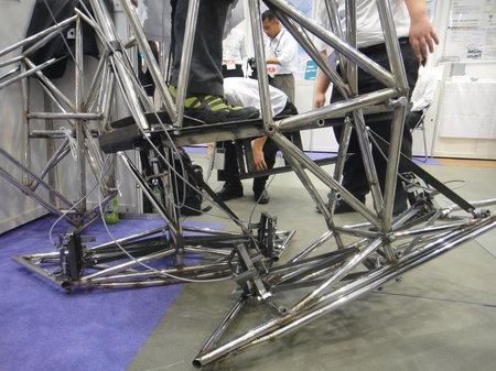 Bipedal-human-powered-robot-6.jpg