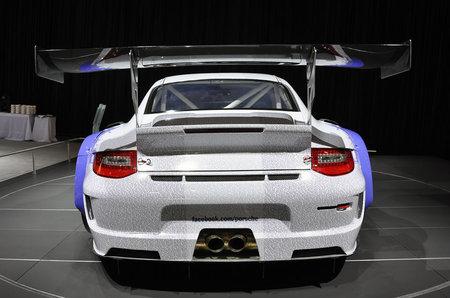 Facebook-Porsche-911-GT3-R-Hybrid-3.jpg