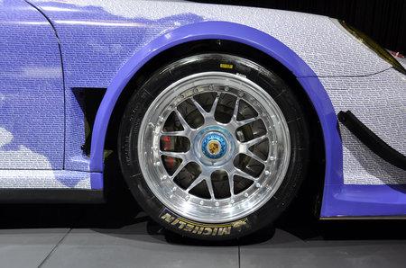 Facebook-Porsche-911-GT3-R-Hybrid-4.jpg