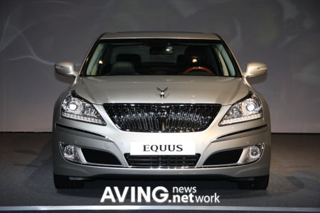 Hyundai_Equus_2.jpg