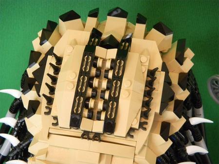 LEGO-Predator-bust-4.jpg