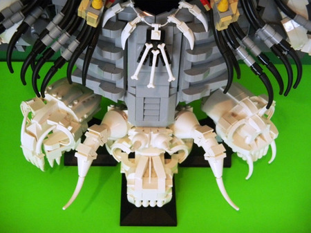 LEGO-Predator-bust-7.jpg