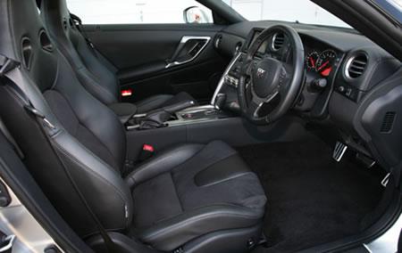 Nissan_GT-R_8.jpg