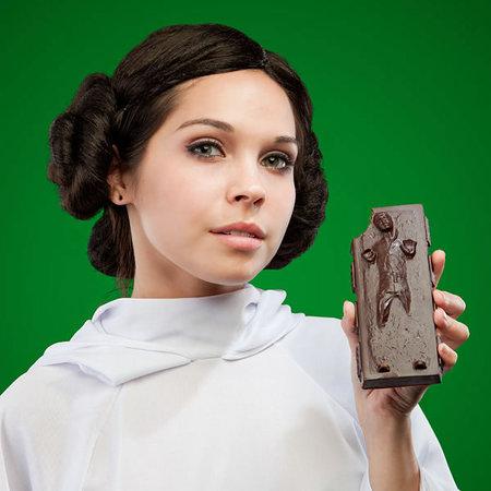 Star-Wars-Han-Solo-Carbonite-Chocolate-3.jpg