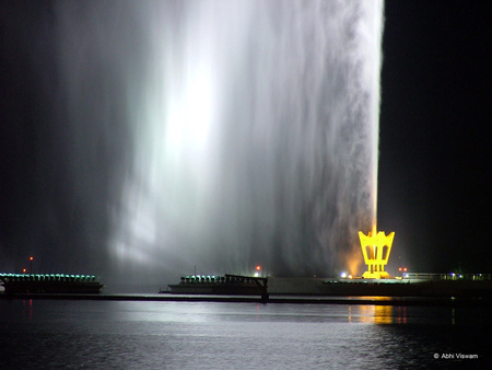 World's_most_powerful_Fountain_3.jpg