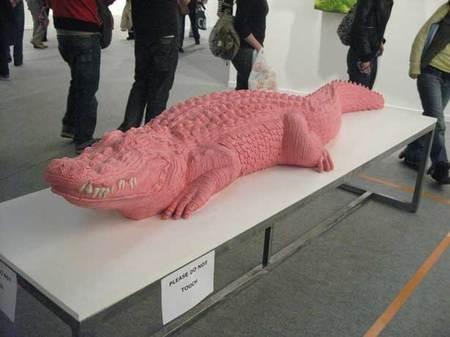 chewing_gum_crocodile.jpg