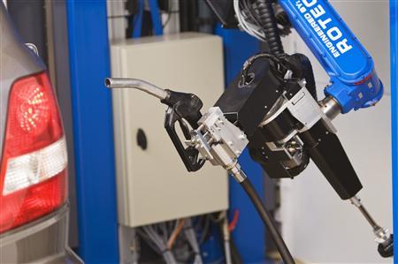 robot_to_fill_car_gas_2.jpg