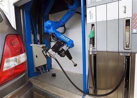 robot_to_fill_car_gas_5.jpg