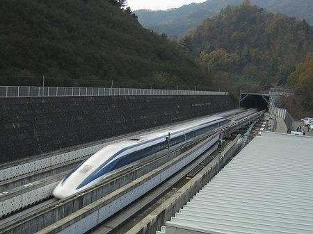 world's-fastest-train2.jpg