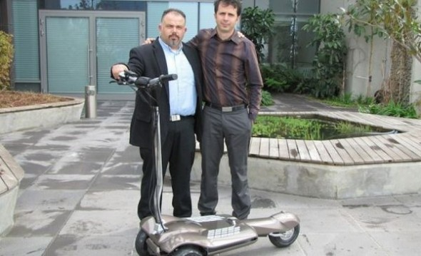 muv-e-electric-scooter-2